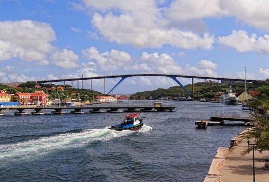 poontoon bridge