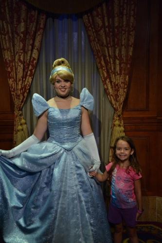 Magic_Kingdom_Park_Cinderella n Skye