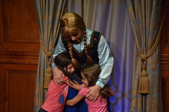 Magic_Kingdom_Park_elsa and anna warm hugs